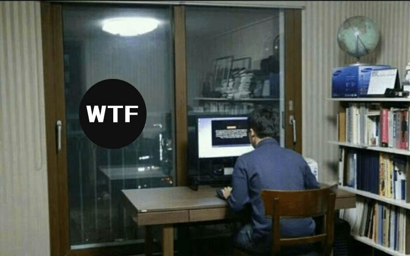 一張照片恐怖故事!男子開電腦想偷看謎片,親哥哥偷拍沒想到竟意外拍到後方「超恐怖」畫面!!:乾差點嚇尿