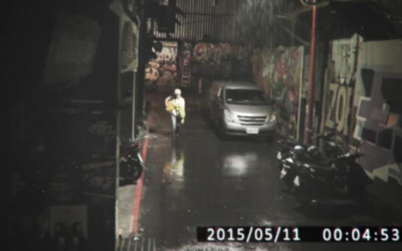 膽小者真的不要看!台北市鄰里監視器拍到的恐怖畫面!你以為是那個人影嗎?...