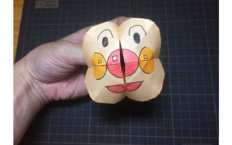 他做了一個麵包超人版「東南西北」遊戲,打開的瞬間根本《寄生獸》!