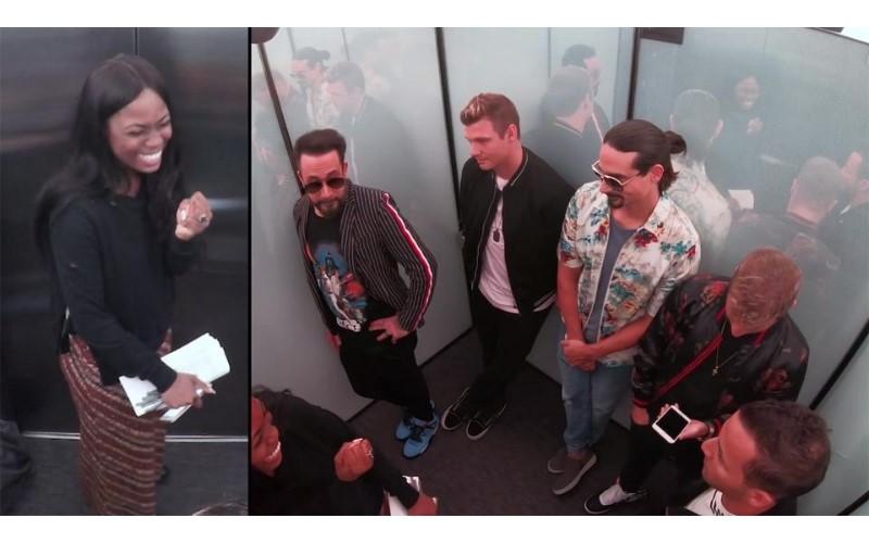 路人電梯巧遇「新好男孩」Backstreet Boys超驚喜!下秒大合唱經典歌曲:太令人羨慕了~