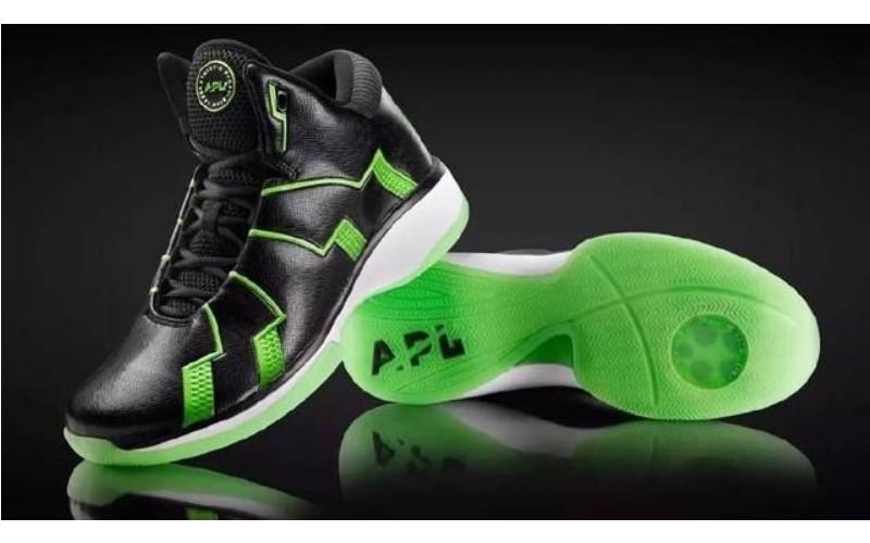 究竟被NBA禁穿的「彈簧鞋」助跳能力有多強?外國人實測剪開給你看!(影)