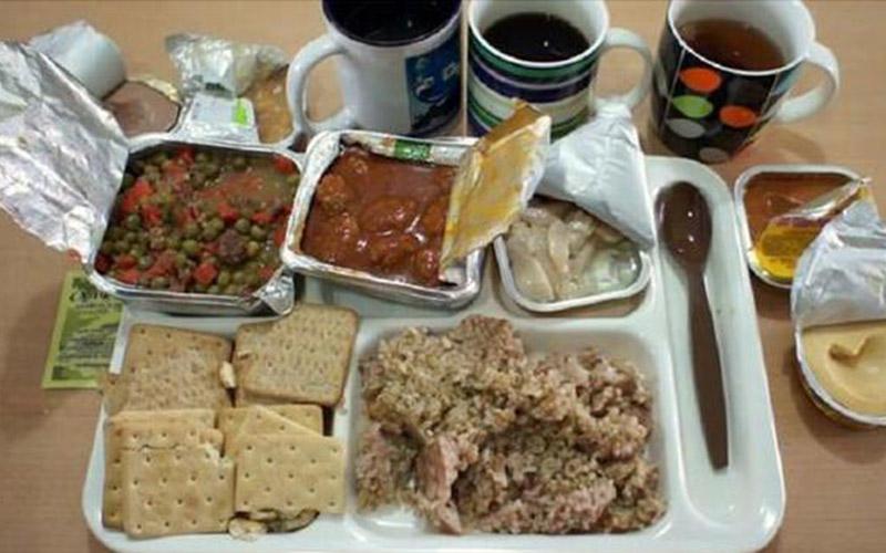 8國「軍中營養午餐大比拚」,法國的超講究根本比餐廳裡還豐盛!看到日本的我簡直驚呆了阿!!