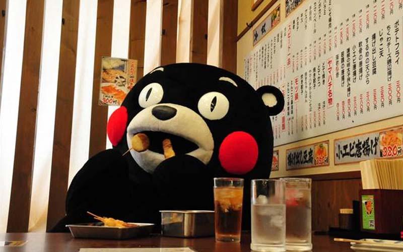 連日本天皇都好奇熊本熊裡面的人到底是誰?為何會活潑成這樣,沒想到原來是...!!!