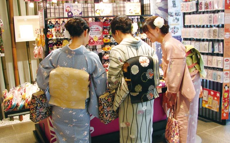 關於日本的超驚奇冷知識,日本傳統女生穿和服時竟不穿OO!