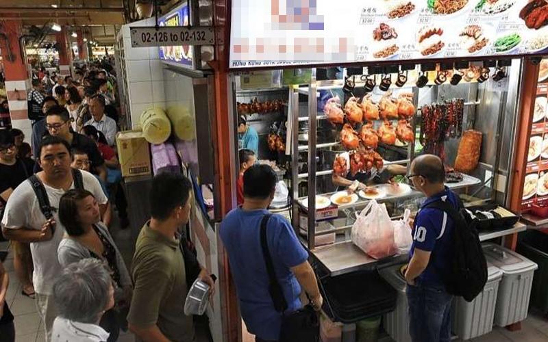 這個小攤販只賣「30元的食物」竟然獲得米其林最高榮譽!原來他的平價美食裡有老師傅的不傳之秘.....