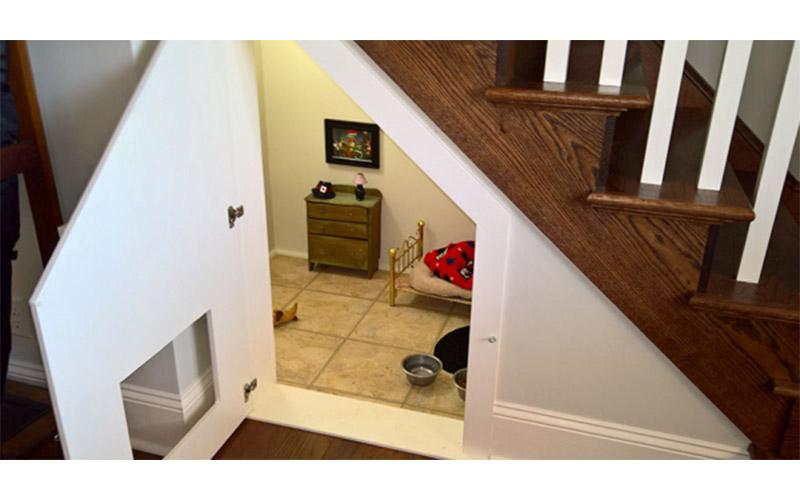 主人為愛犬打造「哈利波特小臥室」,看到裡面的裝潢...只能說這狗太好命了!