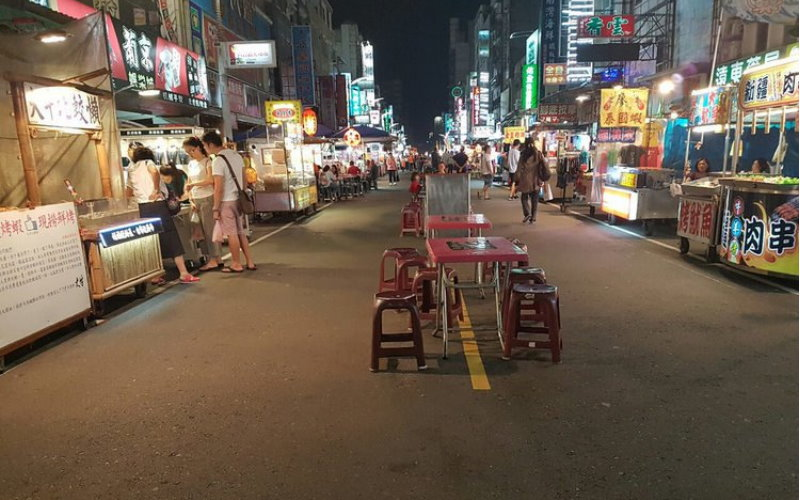 六合夜市空蕩蕩遊客銳減,攤販嘆做不下去!在地人反擊:自己搞爛的怪誰?