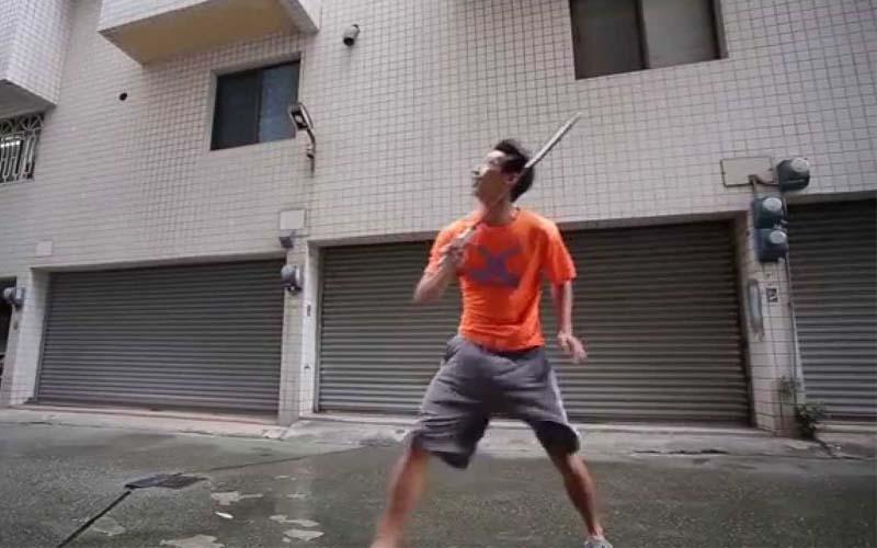 颱風天與地表上最強的對手打羽球?!影片上傳短短不到一天竟百萬點擊!