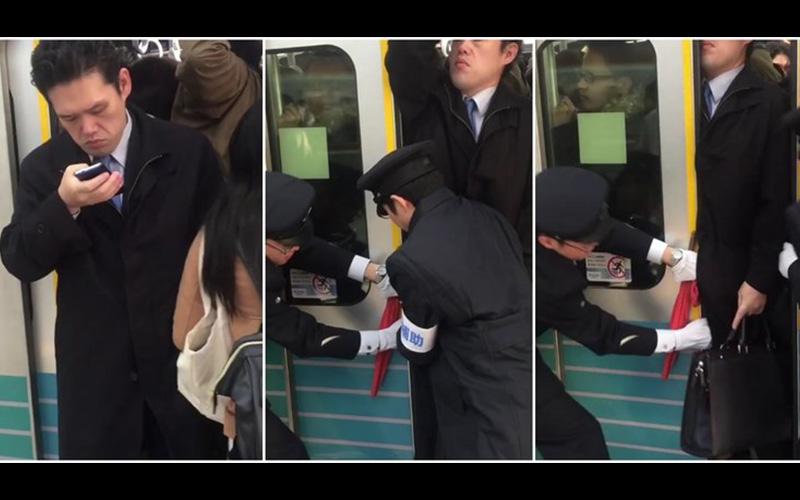 日本電車通勤族的驚人日常!站務人員硬把溢出來的人全塞進車廂,淡定哥「被塞」最後一刻還在玩手機?!