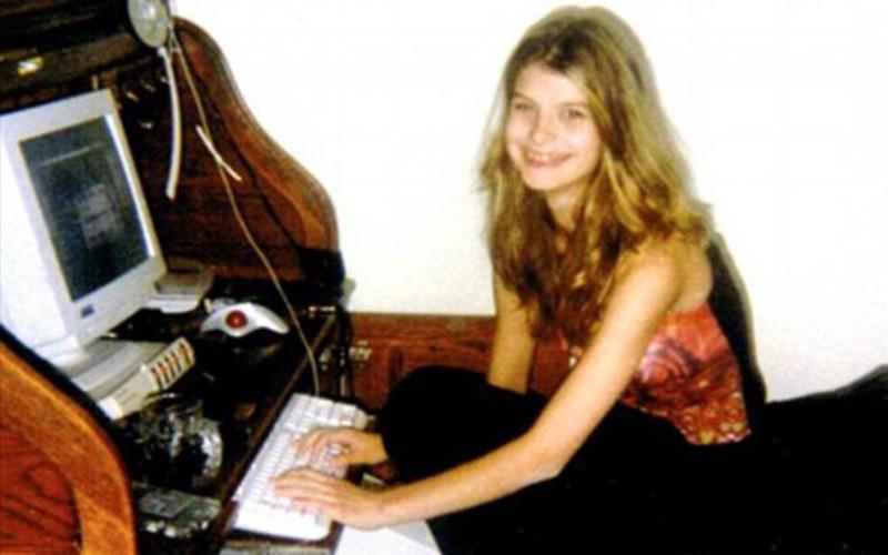 13歲時她為了見網友半夜偷溜出去後竟消失了四天!當她再被找到時竟已經徹底崩潰...