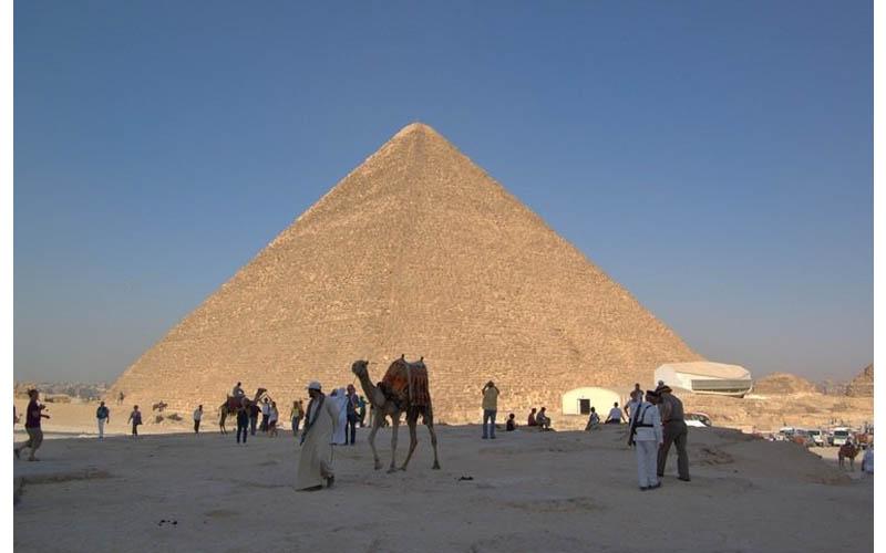 大解秘!全世界竟都「看錯」金字塔了!它們根本就不只4面而是「8面」啊!