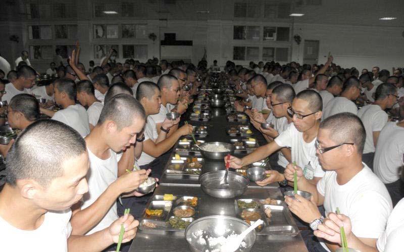 魯蛇問「當兵時吃過最好吃的東西」引來許多當過兵的漢子回憶當年那個味道啊!!