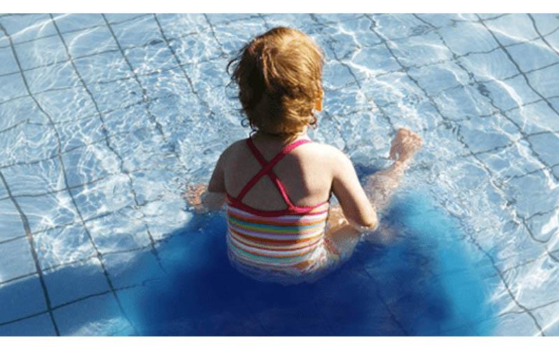 大家不說但你應該要知道的真相!游泳池中到底含有多少尿液?答案超驚人!