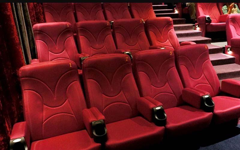你有沒有思考過「為何電影院椅子是紅色的呢?」原來真相是這樣!看完真的長知識了!