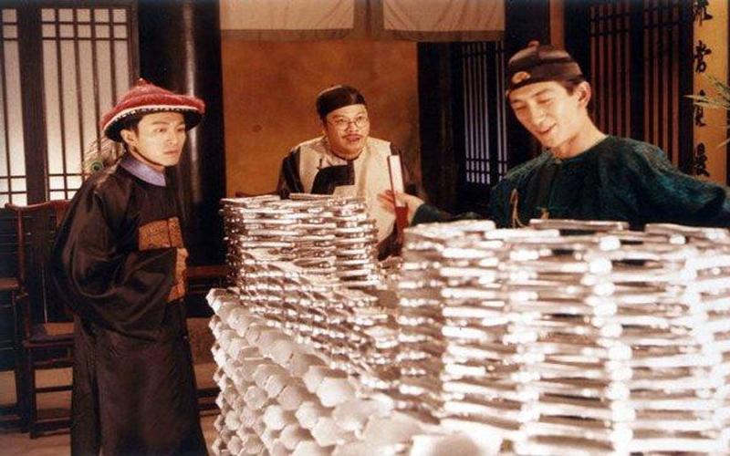 每次看古裝劇都好奇「一兩銀子等於現代多少錢?」,現在終於有答案了!