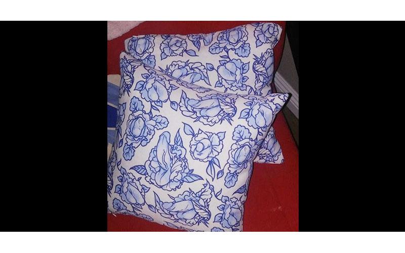 媽媽開心炫耀買到「2顆大抱枕」女兒眼尖發現「害羞亮點」回不去了!