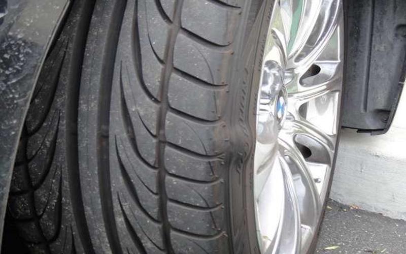 當你發現輪胎上出現「這個小凸起」千萬要注意了,否則有可能危及生命!