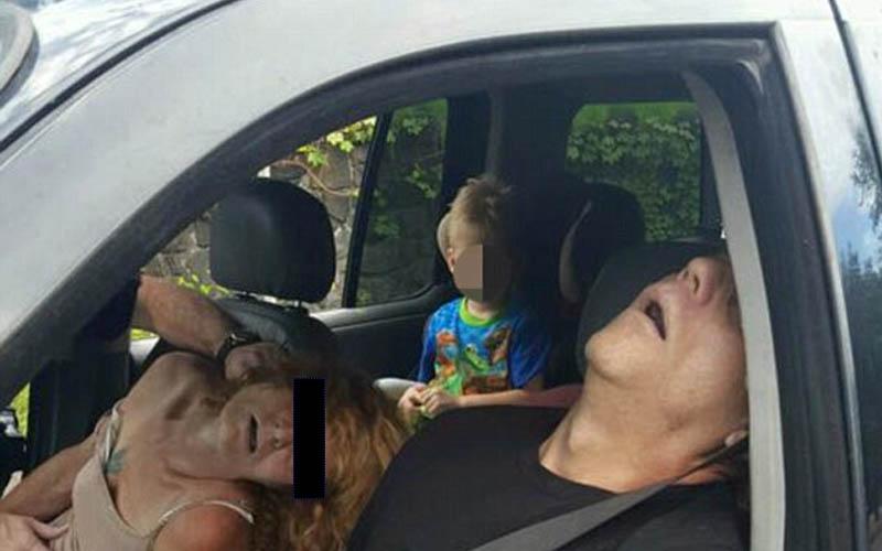 他們載著四歲兒出門,開車開到一半爽死了!警察來時才發現...