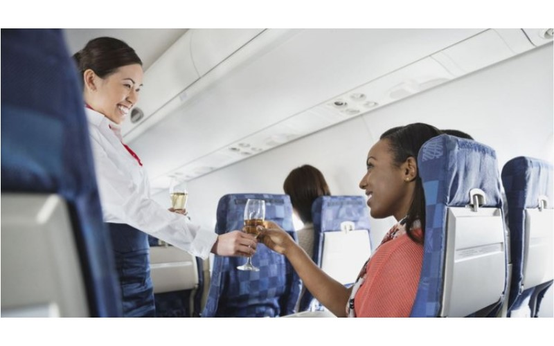 原來空姐最討厭乘客點「可樂」!原來是因為這個「原因」!
