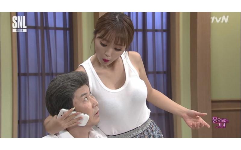 韓國深夜節目94狂!火辣女明星陪玩19禁橋段,男明星整個受不了起生理反應!