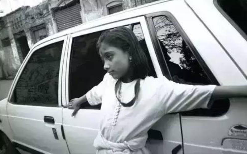 她來自亞洲最大紅燈區「9歲做雛妓,15歲拿奧斯卡」然而長大後卻再次淪為妓女…