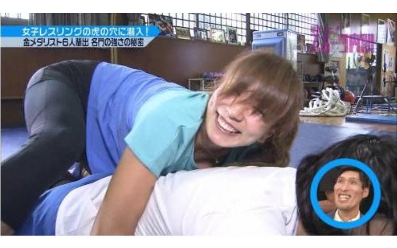 放送事故!日本最美運動員青木愛上節目!用力過猛「E杯見客」 :好敬業