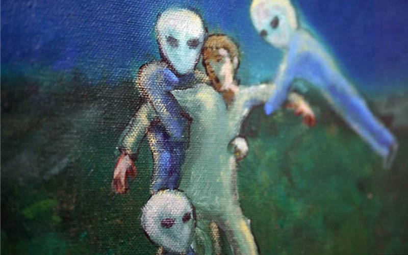 美國藝術家用油畫紀錄「17歲時被女外星人強行破處,還生下了60個混血外星人寶寶」