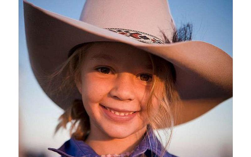 14歲兒童模特「被酸民罵到自殺」...心碎父邀霸凌者參加葬禮:來看我女兒怎麼離開的!