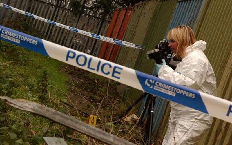 「神秘幻影女殺手」15年來DNA涉入40多個案件,警方最後終於「逮到她」卻崩潰了!