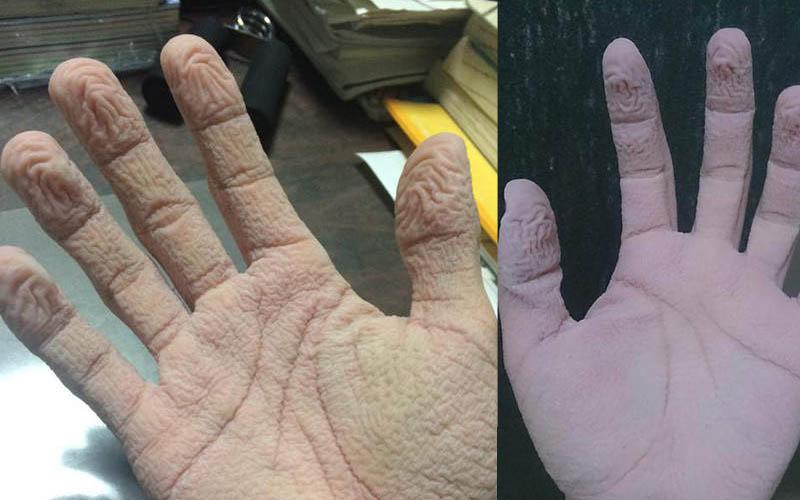 手腳泡在水裡9個小時會變怎樣?網友挑戰皮膚變皺的人體極限「請慎入!後面照片斟酌看」