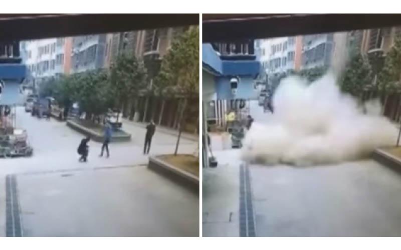 屁孩現世報!「鞭炮炸化糞池」街道下起「屎雨」一秒被屎掩埋