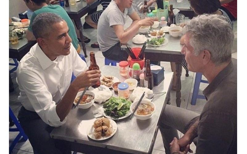 歐巴馬到此一吃!當年訪越南吃河粉  如今被店家「這樣保存」 網友笑翻:越南人無極限XD