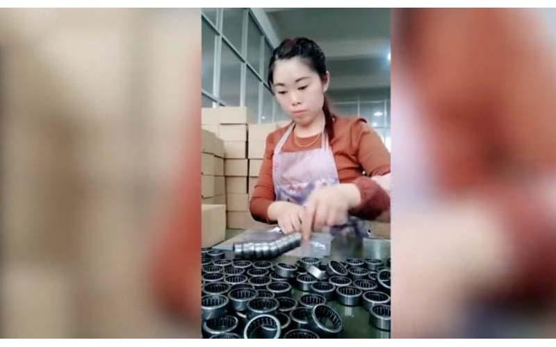 大陸女工「神速包裝影片」瘋傳國外!外國網友看呆「如果她在美國,大家就失業了」