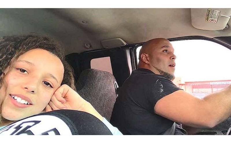 女兒偷拍爸爸開車時唱歌,卻意外「突破千萬點閱率」網友:被融化了!