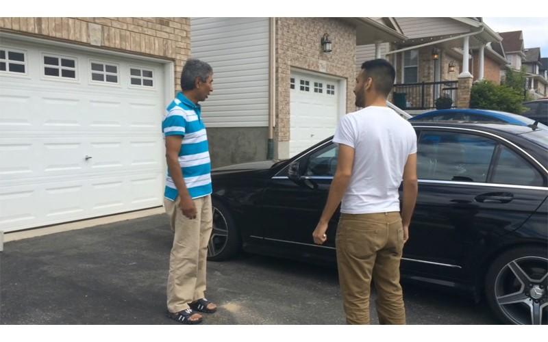 兒子存錢送爸爸「夢寐以求的賓士車」超孝順!爸爸才剛坐進去就「立刻默默走出來....」