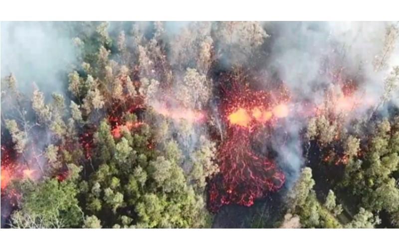 地獄場景!夏威夷火山爆發後緊接著6.9強震  馬路裂成兩半 岩漿從地表直接射出!(影)