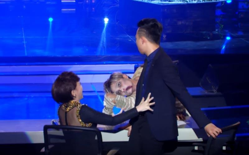 越南達人秀男子「90度折腳」大跳喪屍舞,驚悚畫面嚇壞評審!