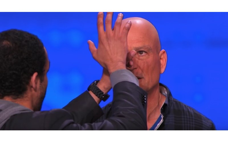 他宣稱自己「懂催眠」被評審按X!但開始表演的下一秒就出現「科學無法解釋」的畫面...