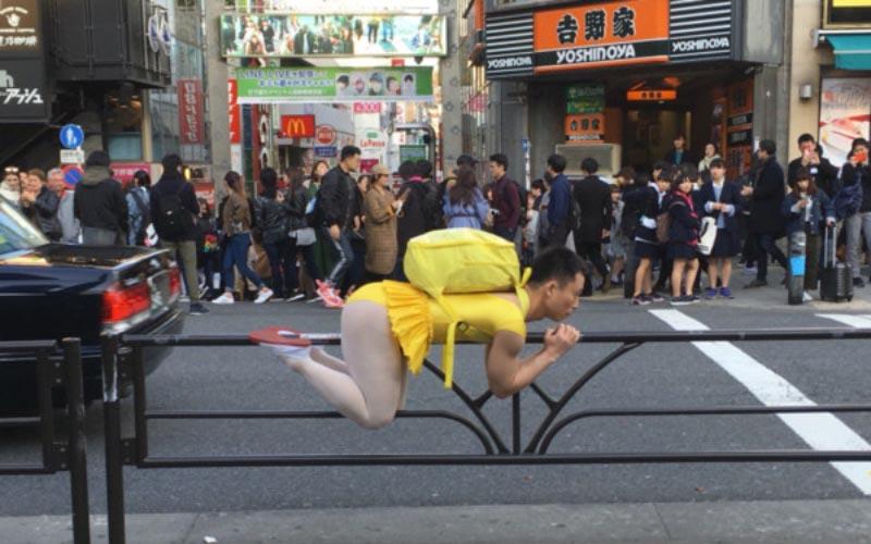 新宿街頭驚見「中年大叔被當狗遛」 網嘆:東京真的是大城市!