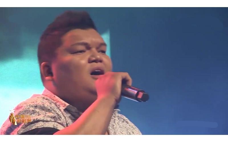 男子用高八度音「完美還原女聲」演唱《涼涼》 第二段開口變聲「楊宗緯」!網友:人體MP3?