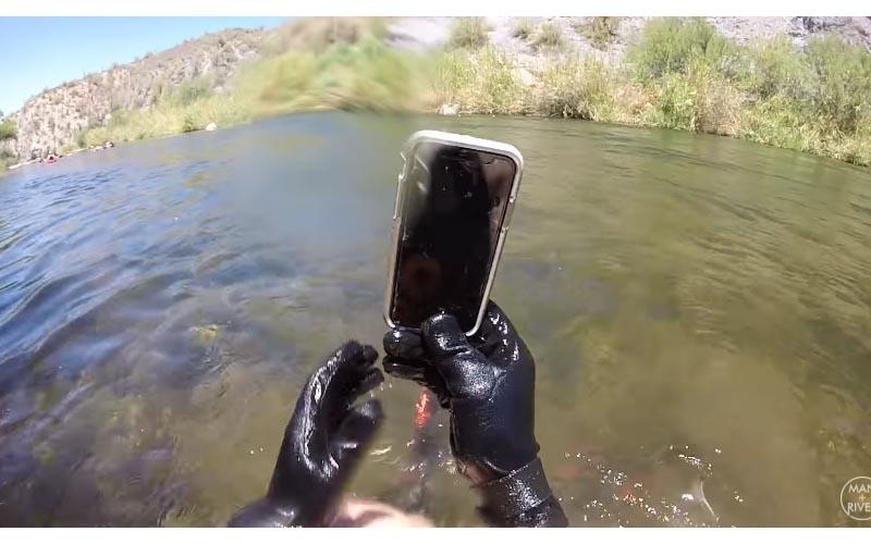 Iphone X「湖裡泡14天」還可開機!潛水客一打開「手機桌布」秒回撥...結局神展開!