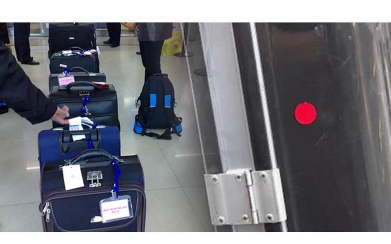 出國前請注意!行李箱諾出現「神秘紅貼紙」,可能出不了關還會被重罰!
