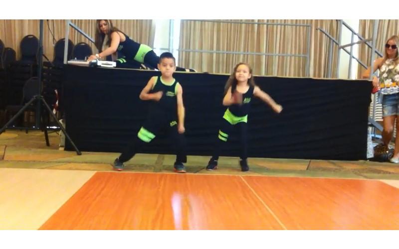 6歲小男孩大跳拉丁「騷莎舞」 100分專業「再放Pro級大招」精準對拍...太強了