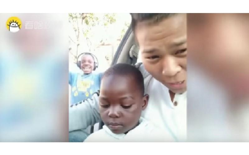 非洲小孩「學中文」超爆笑!「沒毛病」說成「有麻必」 師生都崩潰:這根本是在吵架阿