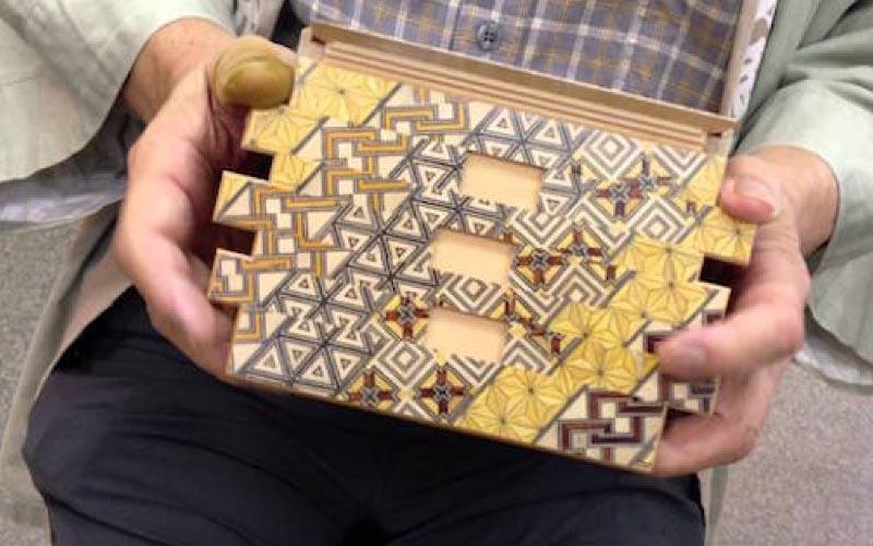巧奪天工!沒有鎖卻很牢靠「日本秘密箱」需要72個步驟才能打開