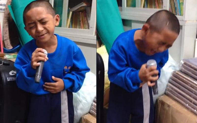 原住民男童深情清唱《我是一隻小小鳥》,唱到副歌時一度「大走音 + 轉音」笑翻萬人!