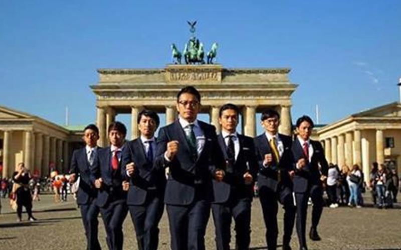 日本大叔赴巴黎大跳機械舞,成功完成WORLD ORDER最後告別作,粉絲直呼:不要啦!