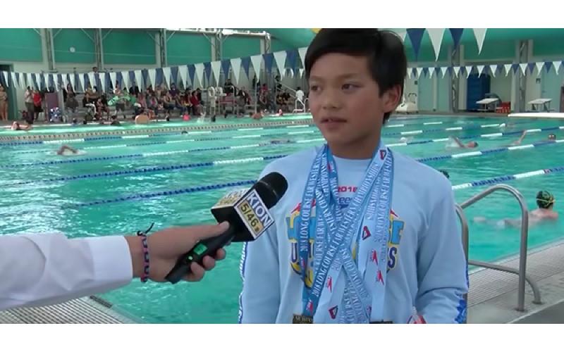10歲男打破「飛魚」菲爾普斯23年游泳紀錄 網讚嘆:下一個水中怪物