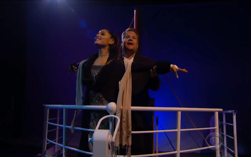 小天后亞莉安娜和主持人用5分鐘演完《鐵達尼號》歌舞劇!壓軸獻唱主題曲「招牌海豚音」嗨翻全場