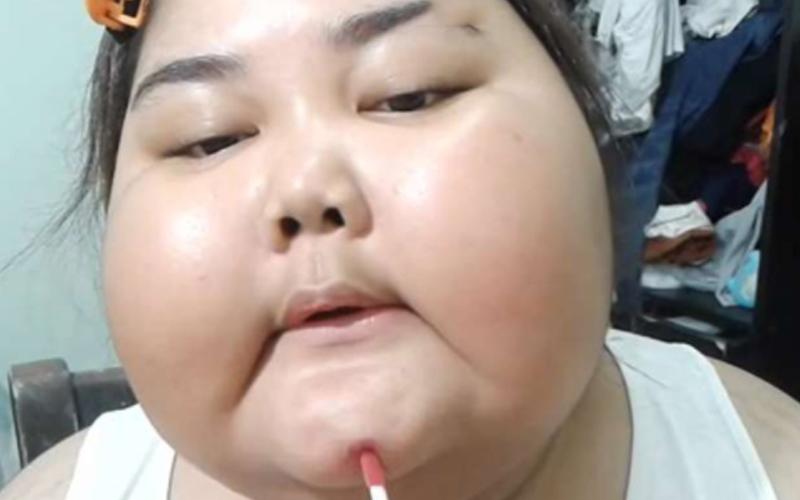 肉肉女「化妝教學」點閱破千萬,她最後完妝模樣...網友全笑倒!